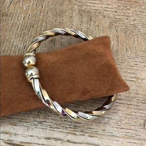 Jewelry - Bracelet gold and silver tone 🦋